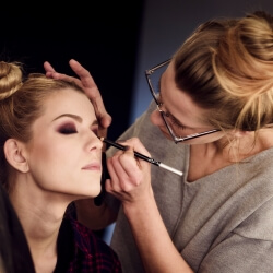 Make Up Artist Designer